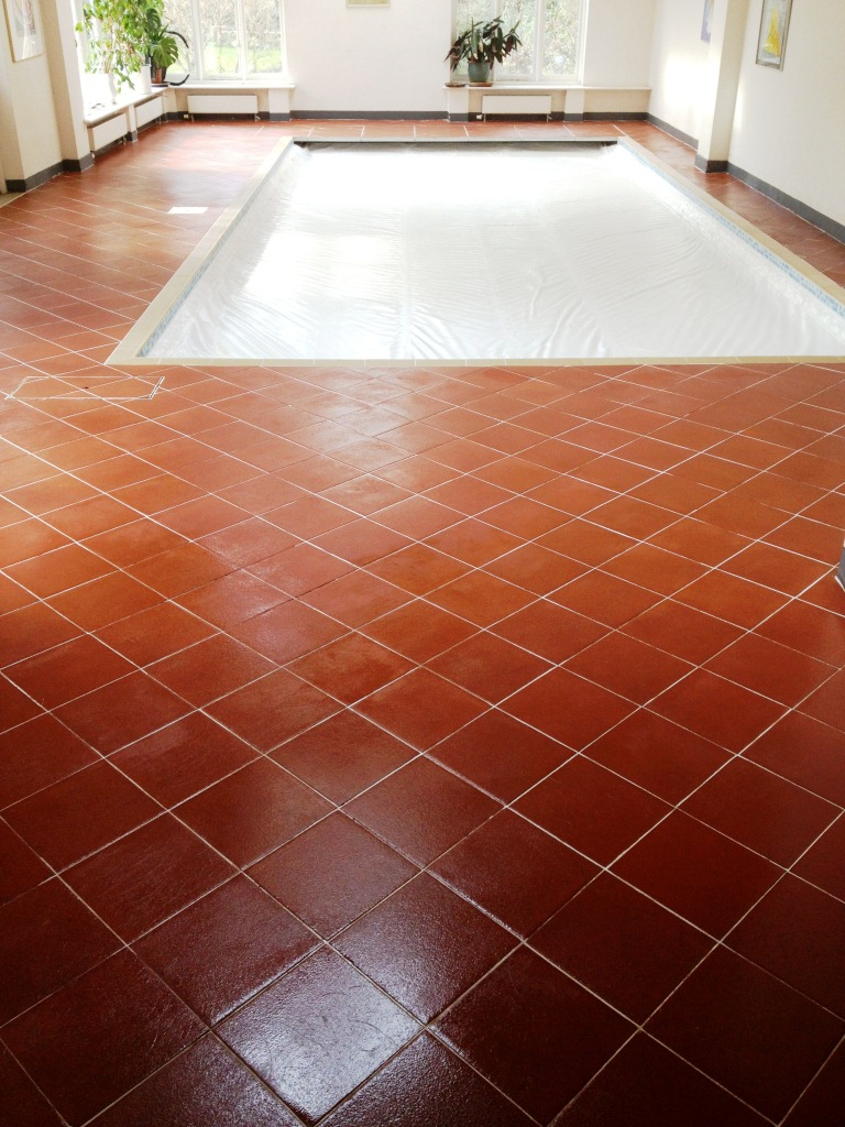 Quarry Tiled Pool Surround Cambridge After Sealing