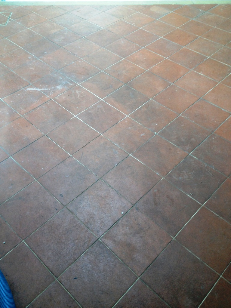 Cleaning Quarry Tiles Around An Indoor Residential